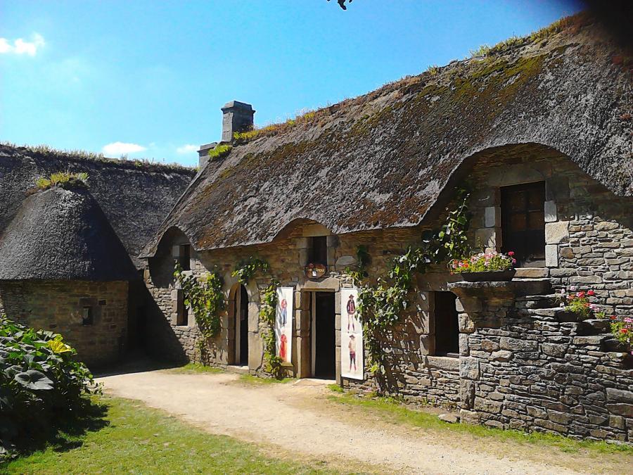 Location gite terre et mer situ land vant en bretagne sud morbihan a d c - Entree bretonne typique ...